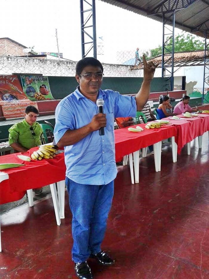 Presidente Sousa falando aos associados