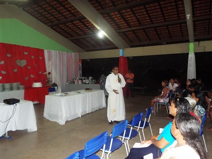 Diácono Antonio Primo fazendo a Celebração da Palavra