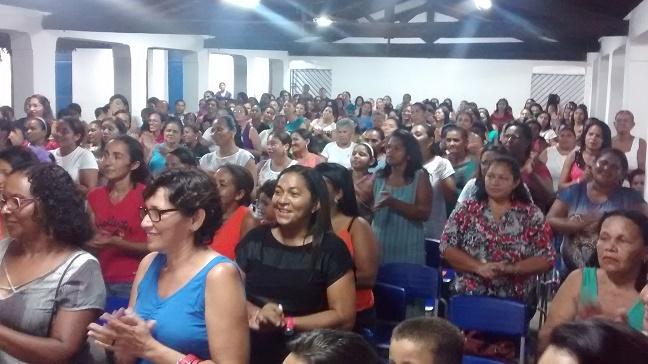 Mais de trezentas mães prestigiaram a homenagem