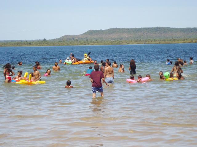 Banhistas estão proibidos de banhar nas águas da barragem do bezerro temporariamente
