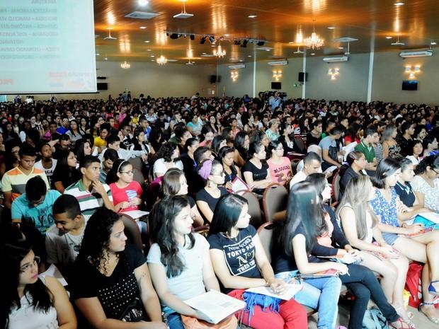 Para a Seduc, dois mil compareceram à revisão (Foto: Francisco Gilásio/CCOM)