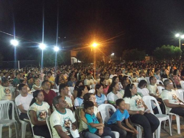 Uma multidão participa do 1º dia do evento, no domingo, 23/08/15.