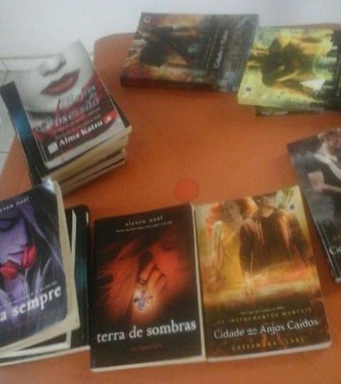 Livros sobre magia negra foram encontrados com uma das adolescentes