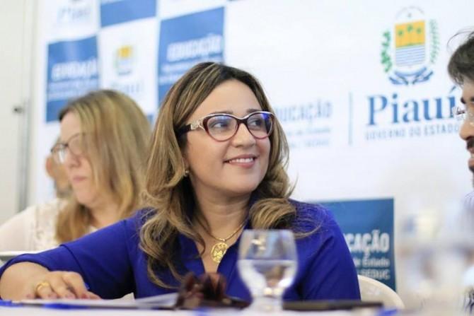 Rejane Dias, secretária estadual de educação