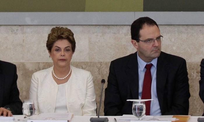 A presidente Dilma Rousseff e o ministro da Fazenda, Nelson Barbosa na reunião do Conselhão - ANDRE COELHO / Agência O Globo