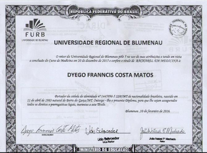 Diploma apresentado tem data de 10 de fevereiro de 2016