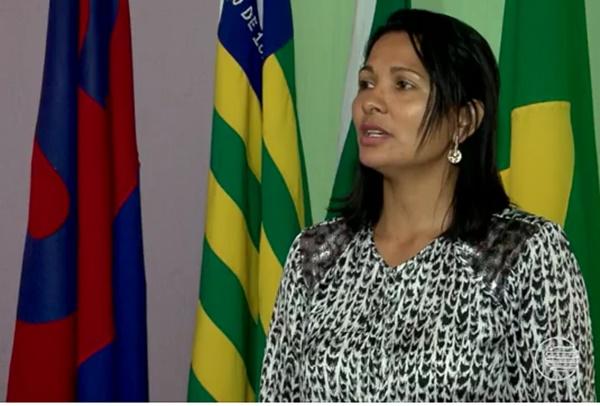A presidente do Sindicato dos Servidores Municipais disse que a prefeitura tem recusros para arcar com o material escolar