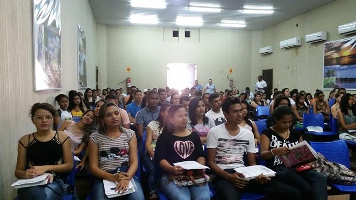 Alunos durante Revisão para Enem em José de Freitas o ano de 2015