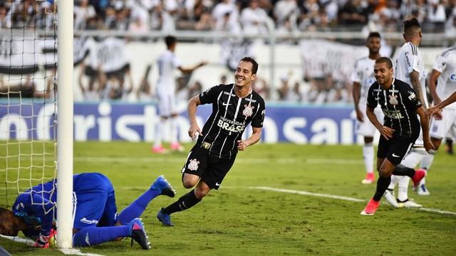 No Paulista, Corinthians goleia Ponte e põe mão na taça; no duelo carioca Flamengo sai na frente