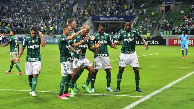 Atual campeão, Palmeiras estreia com goleada sobre o Vasco no Brasileirão