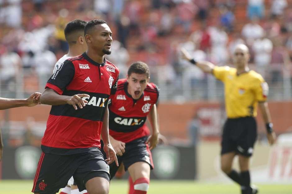 Com gol relâmpago, Flamengo bate SP e leva a Copinha