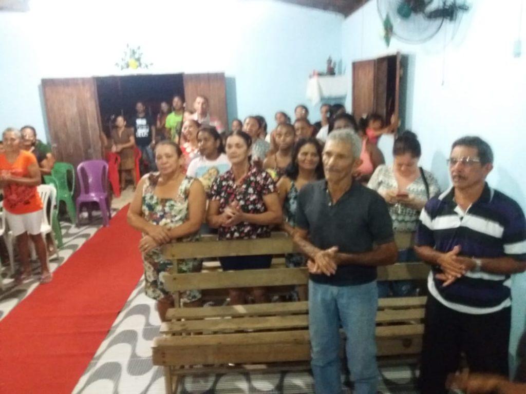 Fiéis participam da penúltima novena dos festejo da comunidade Novo Sto. Antonio em Jose de Freitas